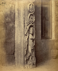 Close view of figure of Ganga at base of pillar of the gopura of the Jalakanteshvara Temple, Vellore 2592